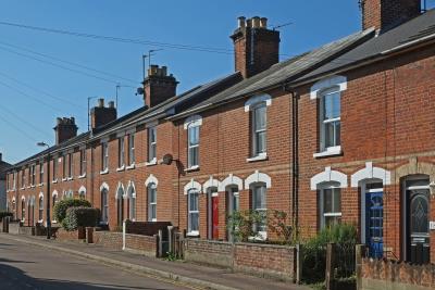 Average UK House Price Hits UK Record. Average asking price for UK homes hits record £333,564