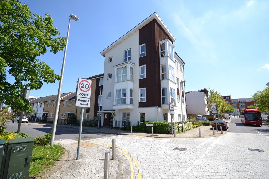 1 bedroom property for sale in Drake Way, Reading