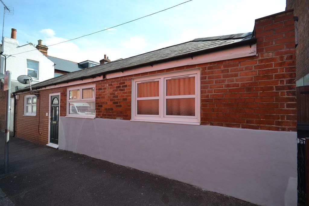 2 bedroom property for sale in Kensington Road, Reading