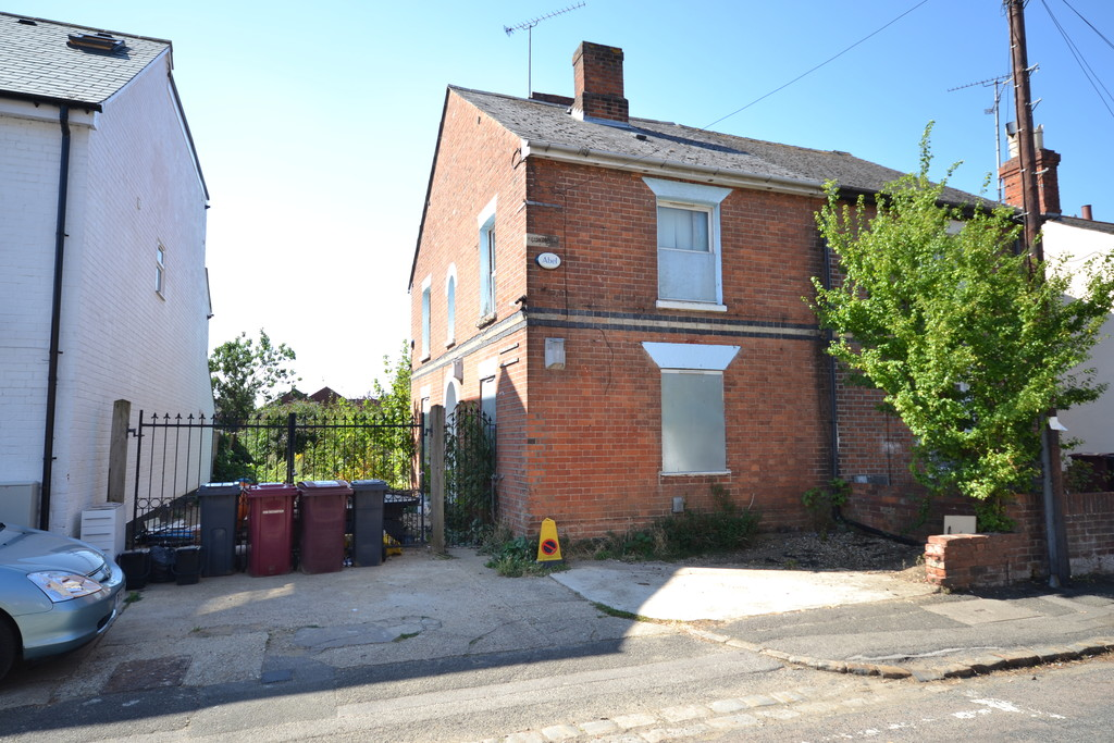 3 bedroom property for sale in Cumberland Road, Reading
